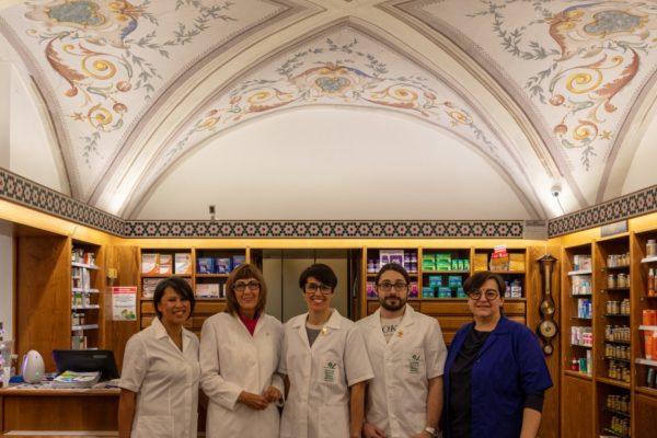 Farmacia Macario Staff2_1261x960